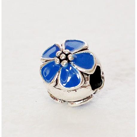 Karoliukas mėlyna gėlytė
