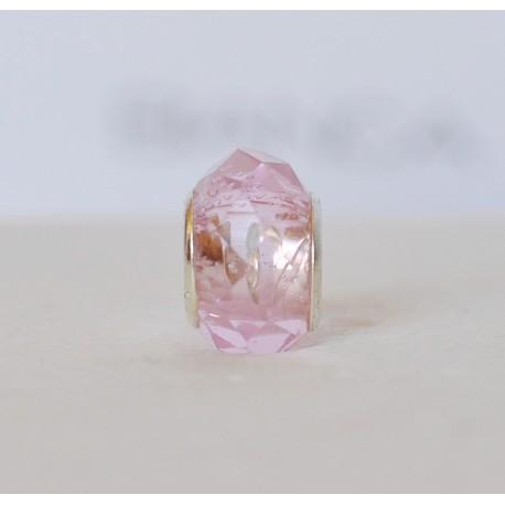 Skaidrus rožinis karoliukas